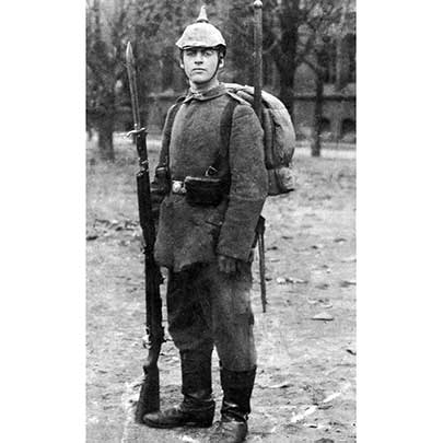 An Imperial German soldier posing in the field with bayonet fixed to his Gew 98.